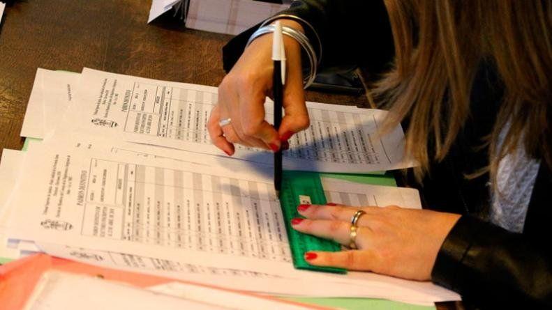 El ajuste llegó a las autoridades de mesa: cobrarán menos que en 2017