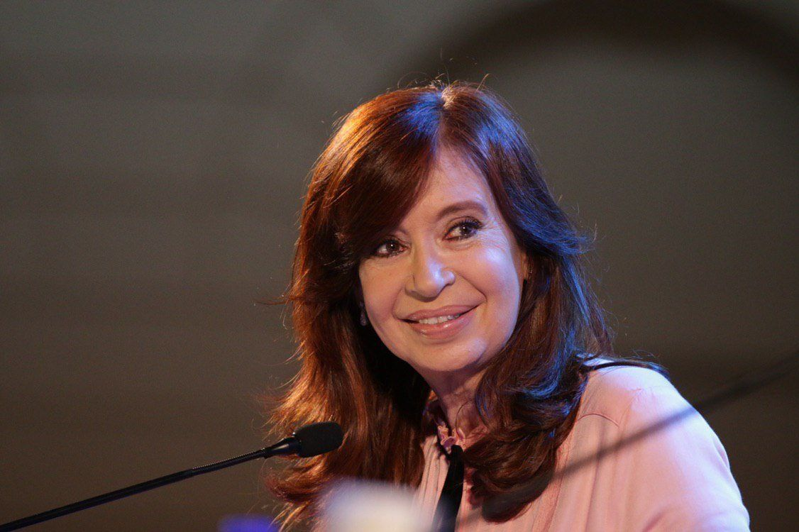 Cristina Kirchner presentó  Sinceramente en Santiago del Estero: Hay una estrategia de sembrar odio y división en los pueblos y así se benefician unos pocos