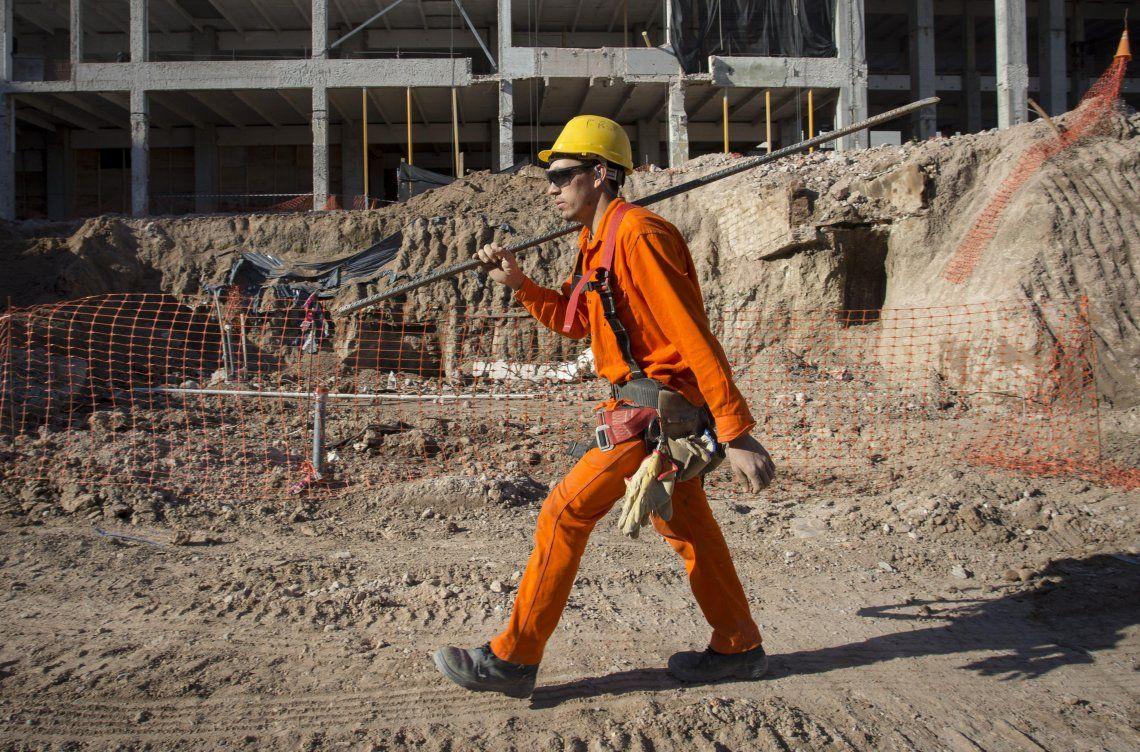 El trabajo registrado cayó 1,8% en mayo