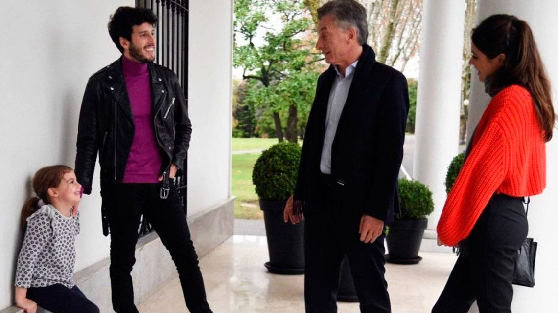 Sebastián Yatra y Tini Stoessel fueron a la quinta de Olivos a conocer a Antonia Macri