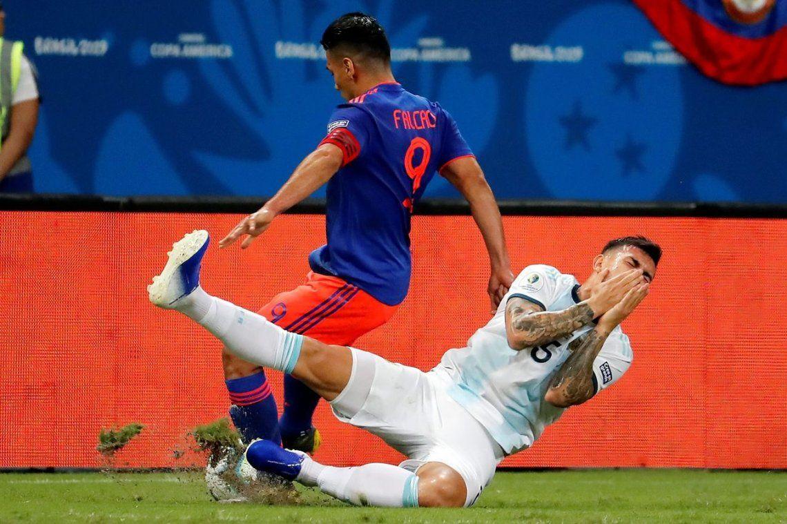 Copa América | ¿Una más de Falcao? El codazo del delantero a Paredes