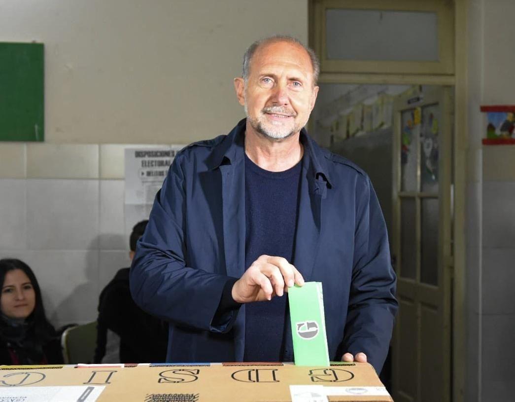 Perotti derrotó a Bonfatti y el peronismo vuelve a gobernar Santa Fe después de 12 años