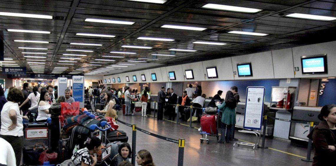 Vuelos demorados por las malas condiciones climáticas en Aeroparque