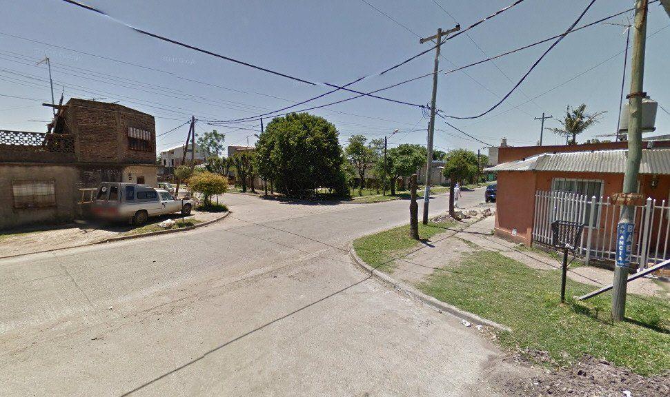 Un vecino de Villa Vatteone llamó al 911 y posibilitó la captura del sospechoso.