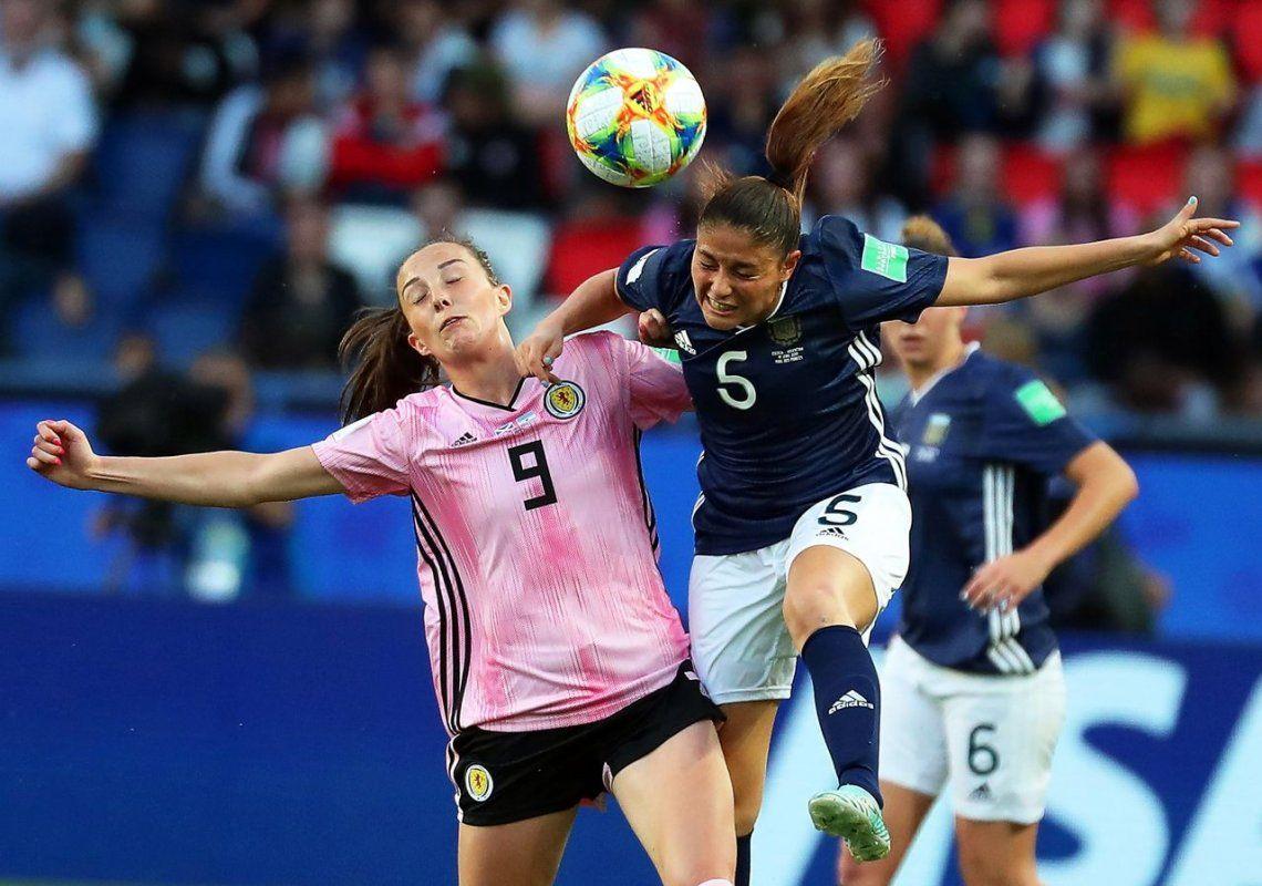 Con un gol de Menéndez y un doblete de Bonsegundo, la Selección Femenina logró un heroico empate contra Escocia