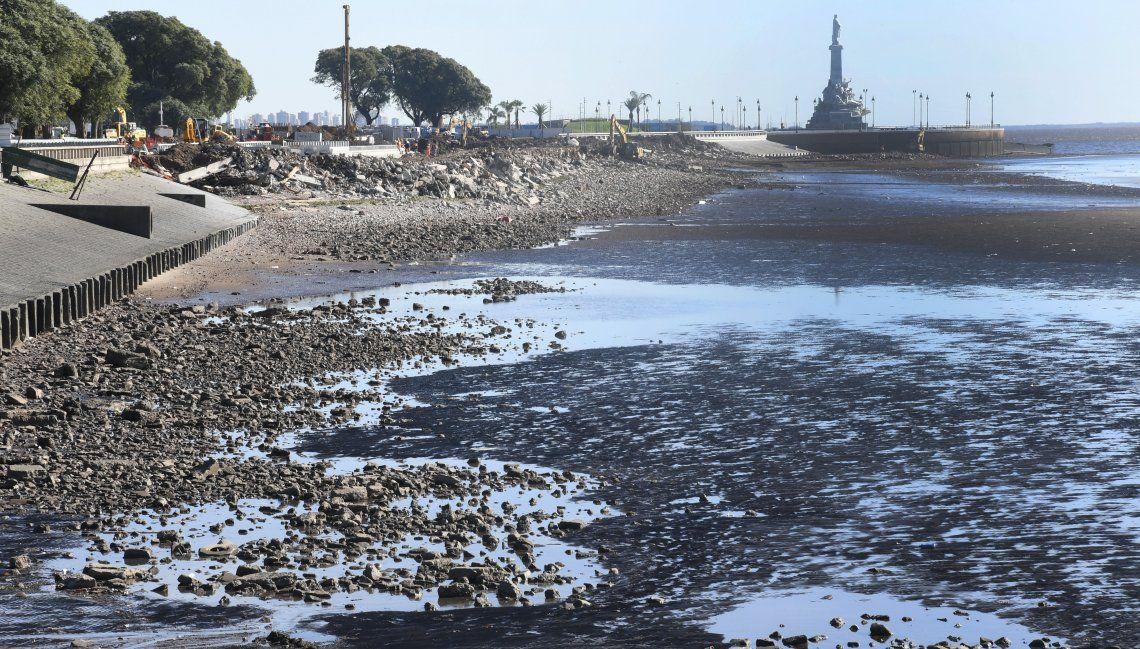 En la zona de la Costanera se advirtió claramente el fenómeno de la bajante del Río de la Plata.