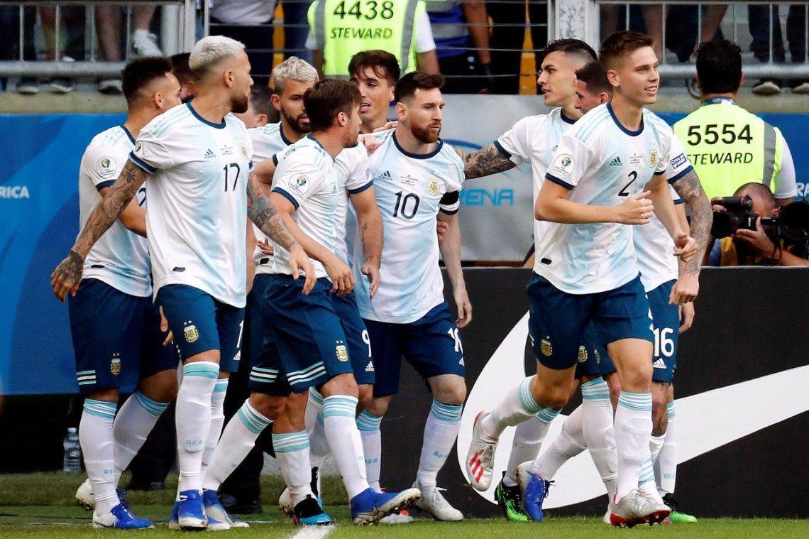 Sin convencer, Argentina venció a Qatar y avanzó a cuartos