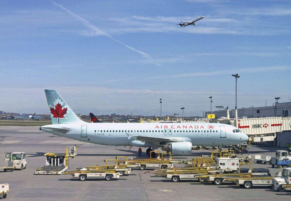 Pasajera de Air Canada se quedó dormida y se despertó abandonada en el avión