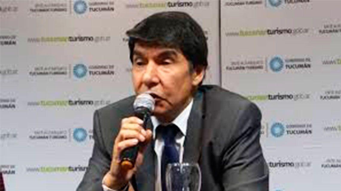 El ministro del Interior de la Provincia de Tucumán, Miguel Ángel Acevedo tiene prohibición de acceso a las canchas de fútbol bonaerenses