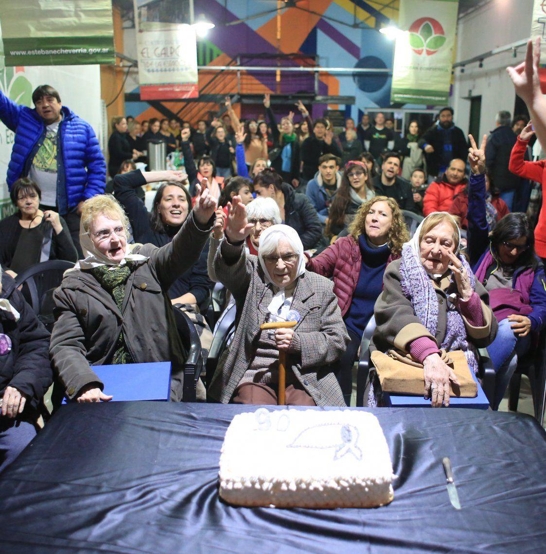 Esteban Echeverría: festejo por los 90 años de la Madre de Plaza de Mayo Aída Bogo
