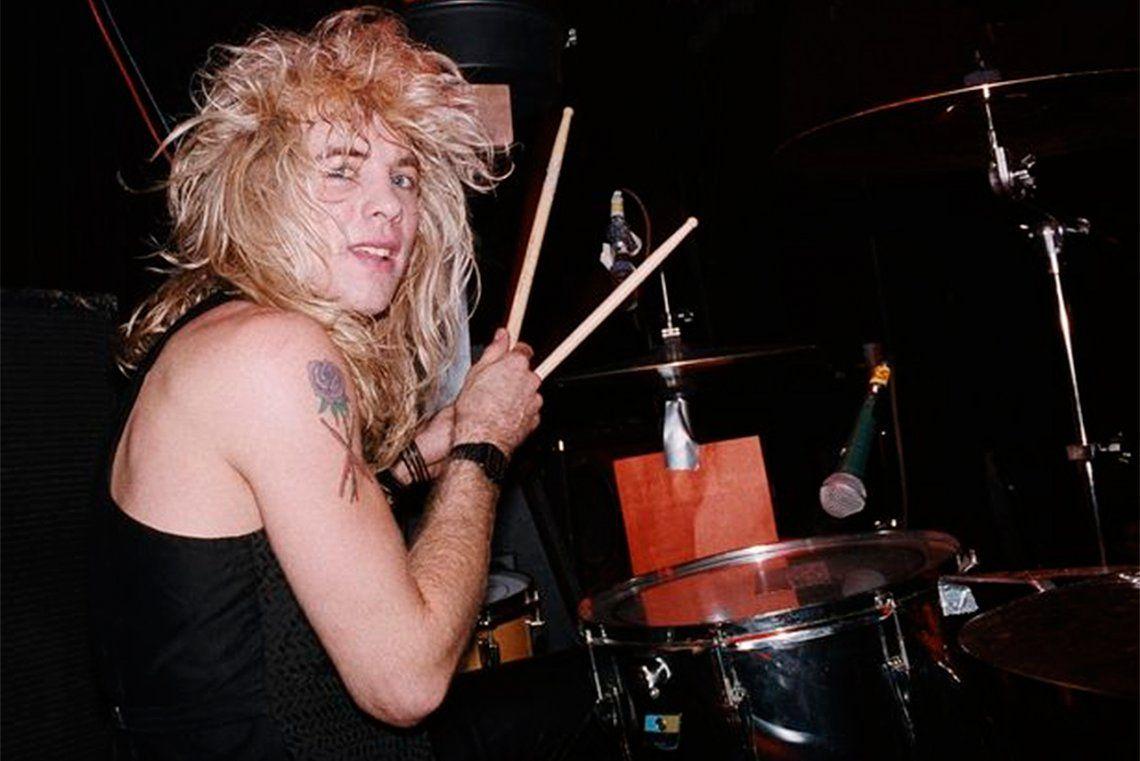 Apetito por la destrucción: Steven Adler, el ex baterista de Guns N Roses, se apuñaló a sí mismo y fue internado