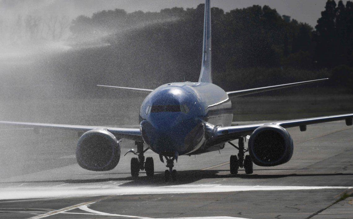 Aerolíneas Argentinas: el Gobierno autorizó la contratación de personal extranjero para reparar sus aviones
