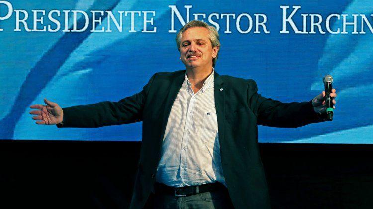 Alberto Fernández insiste en mostrarse unido con Cristina, pero también le marca el territorio.