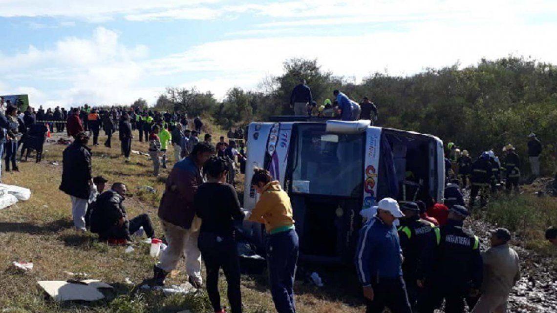 Tucumán: los videos del rescate de las víctimas de la tragedia del micro de jubilados