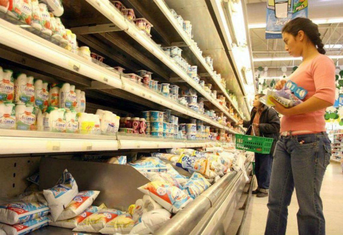 Hacen falta casi $32.000 para no ser pobre: la Canasta Básica aumentó un 50% en los últimos 12 meses