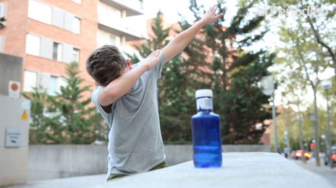 #BottleCapChallenge: el nuevo y dificilísimo reto viral