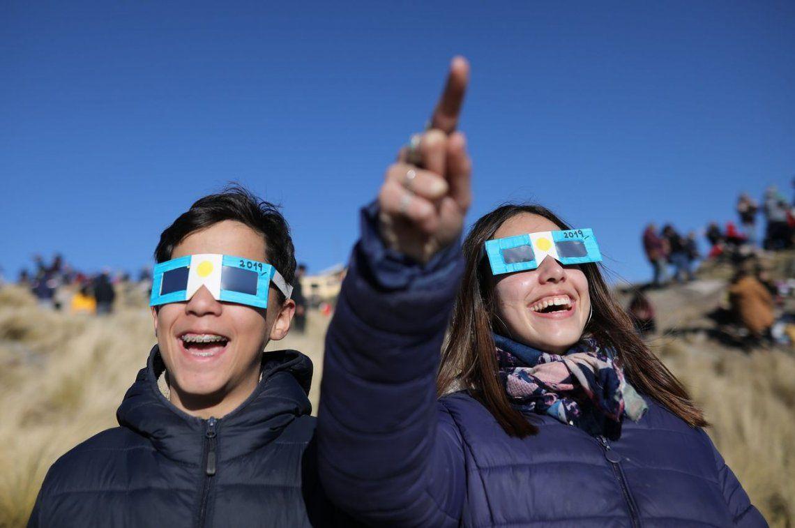 Córdoba: cuatro personas sufrieron las consecuencias de mirar el eclipse sin protección