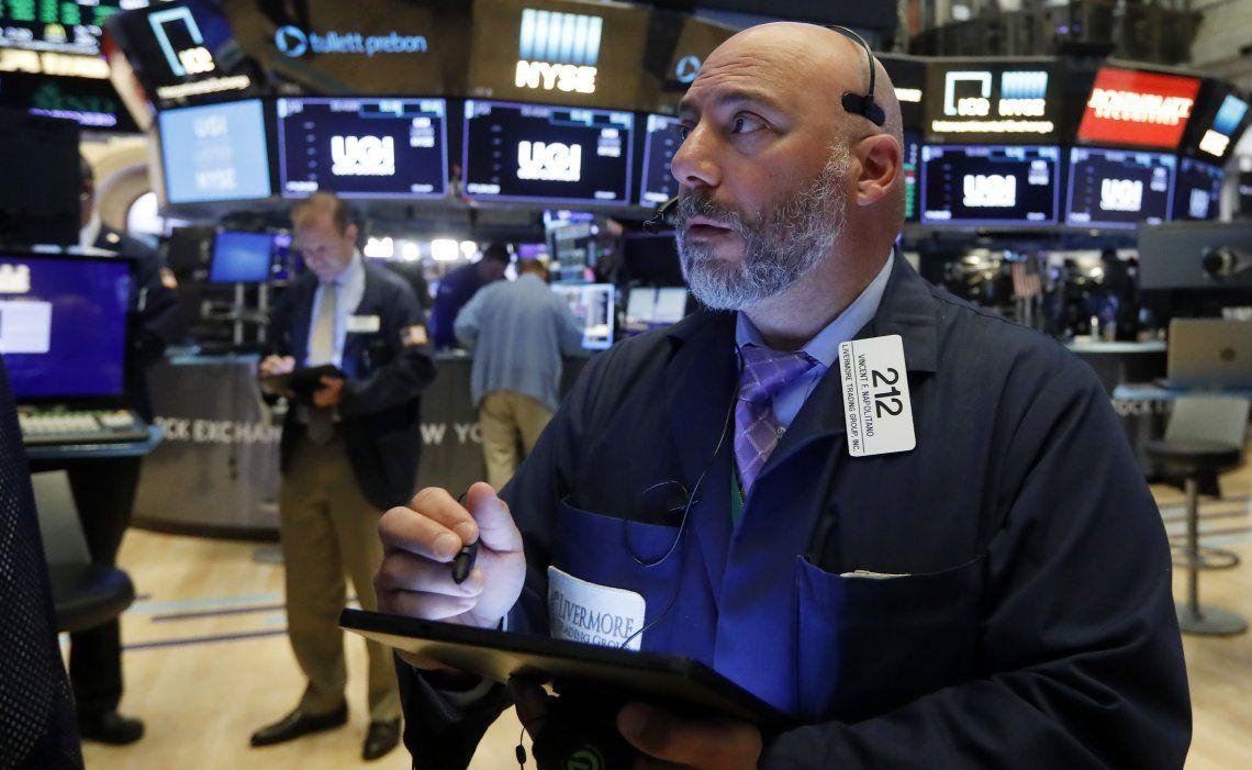 Wall Street cerró ayer con máximos históricos y tanto el S&P 500 como el Nasdaq avanzaron 0