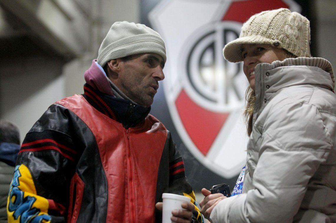 Ola de frío: la cruzada solidaria de River y Juan Carr, en fotos