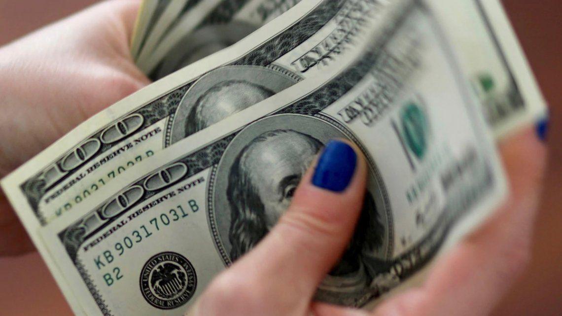 El dólar cerró estable tras el fin de semana largo