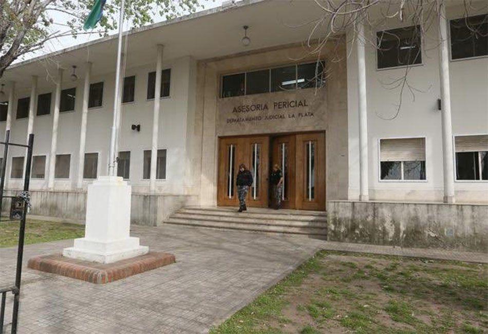 La Plata: un preso golpeó a una perito, baleó a un penitenciario, escapó y fue recapturado