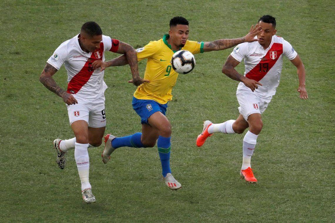 Brasil venció a Perú con otro arbitraje escandaloso y se llevó la Copa América