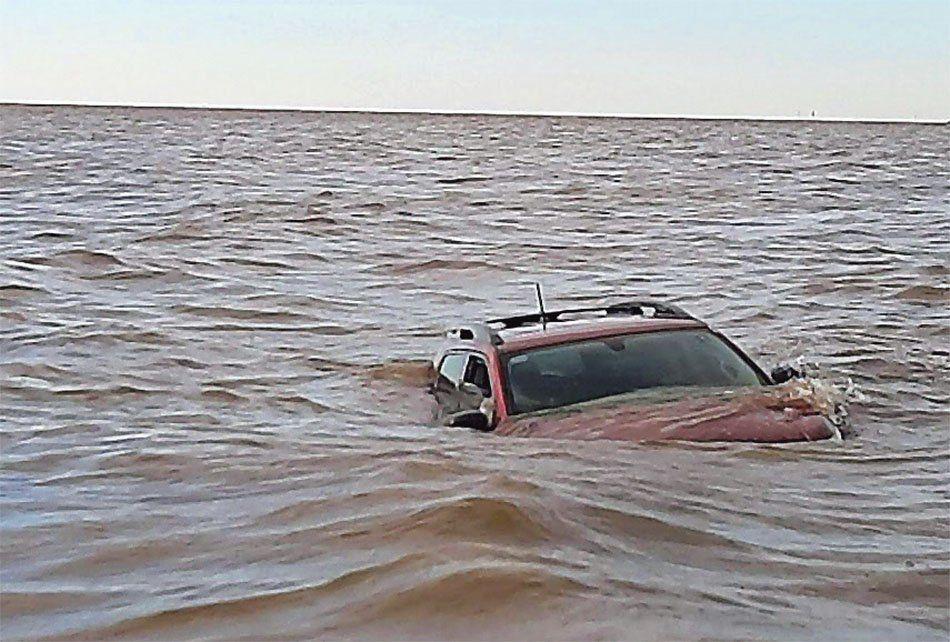 Bernal: dejó el auto en la costa y se lo llevó la crecida del Río de la Plata
