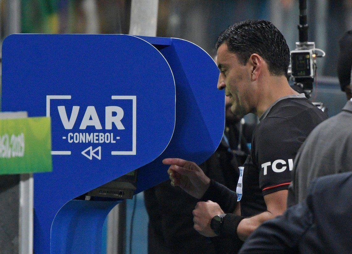 Copa América: el VAR fue la estrella y el generador de grandes polémicas
