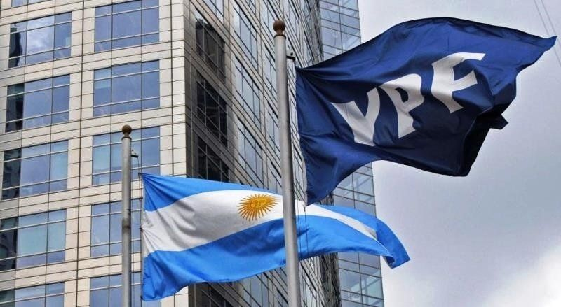 YPF puso en duda una inversión US$700 millones por un conflicto gremial de la Uocra