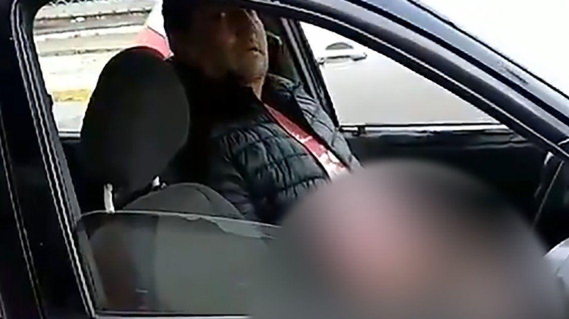 Lanús | Grabó a un pervertido que se masturbó frente a ella mientras esperaba el colectivo: fue identificado
