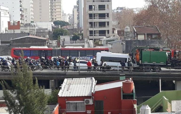 Choque múltiple dejó al menos 25 heridos en la Autopista 25 de Mayo