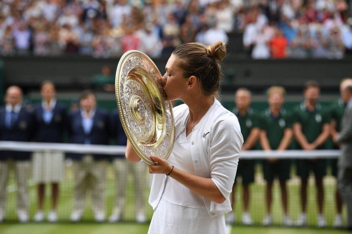 Simona Halep venció a Serena Williams en sólo 55 minutos y se coronó campeona en Wibledon