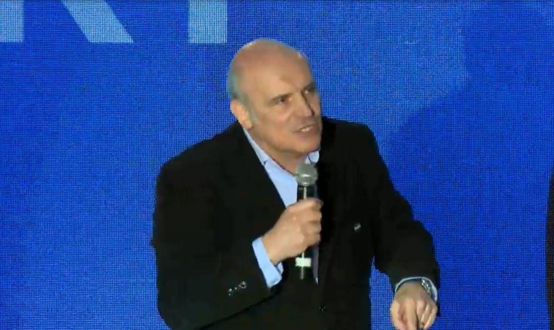 José Luis Espert en Ferro: el precandidato a presidente por el Frente Despertar inició formalmente su campaña con un acto