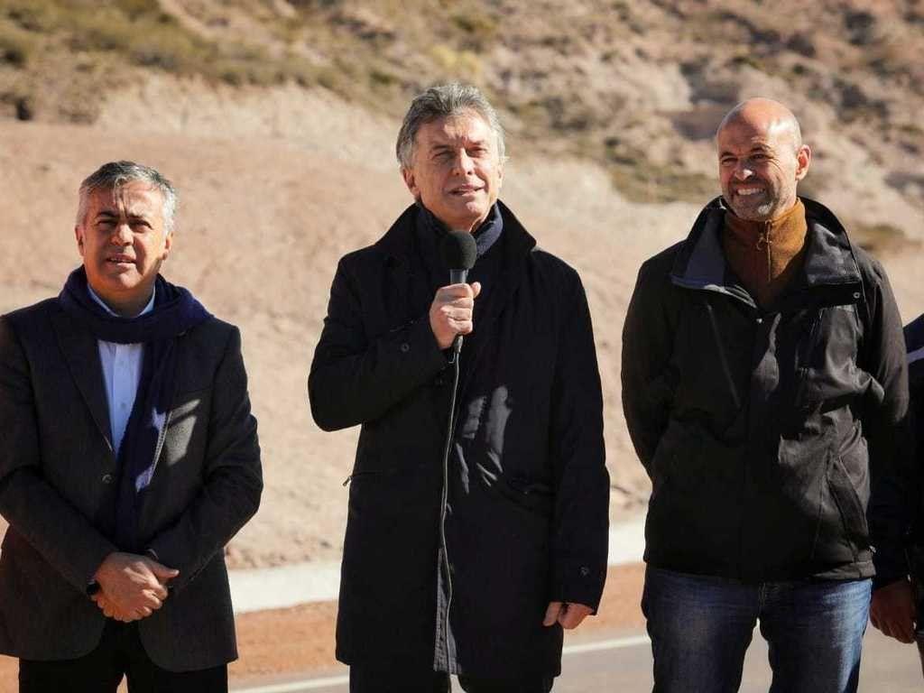 Macri inauguró obras viales en Mendoza: Estamos listos para crecer