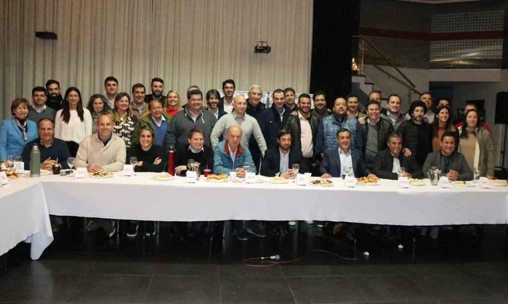 Grindetti, anfitrión de encuentro de tercera sección electoral de Juntos por el cambio