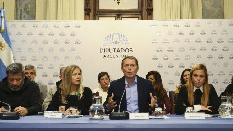 La semana pasada, el peronismo bonaerense y el porteño echaron dudas sobre el sistema electoral.