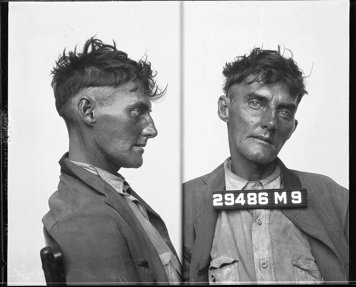Una fotografía de un vagabundo a principios de la década del 30.