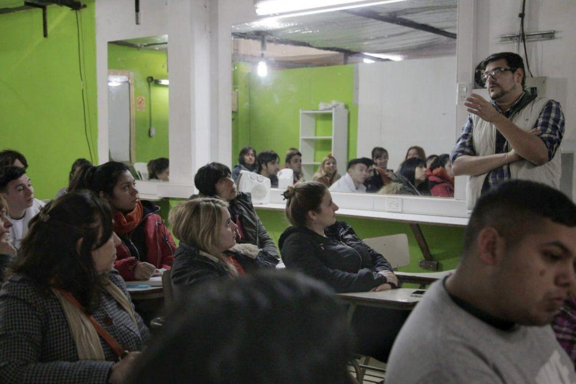 El curso es gratuito y consta de tres clases de 8 horas.