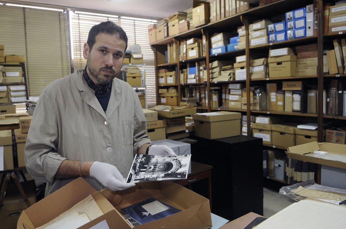 A 25 años del atentado a la AMIA | Rescatar la historia: la intensa recuperación de libros salvados de los escombros