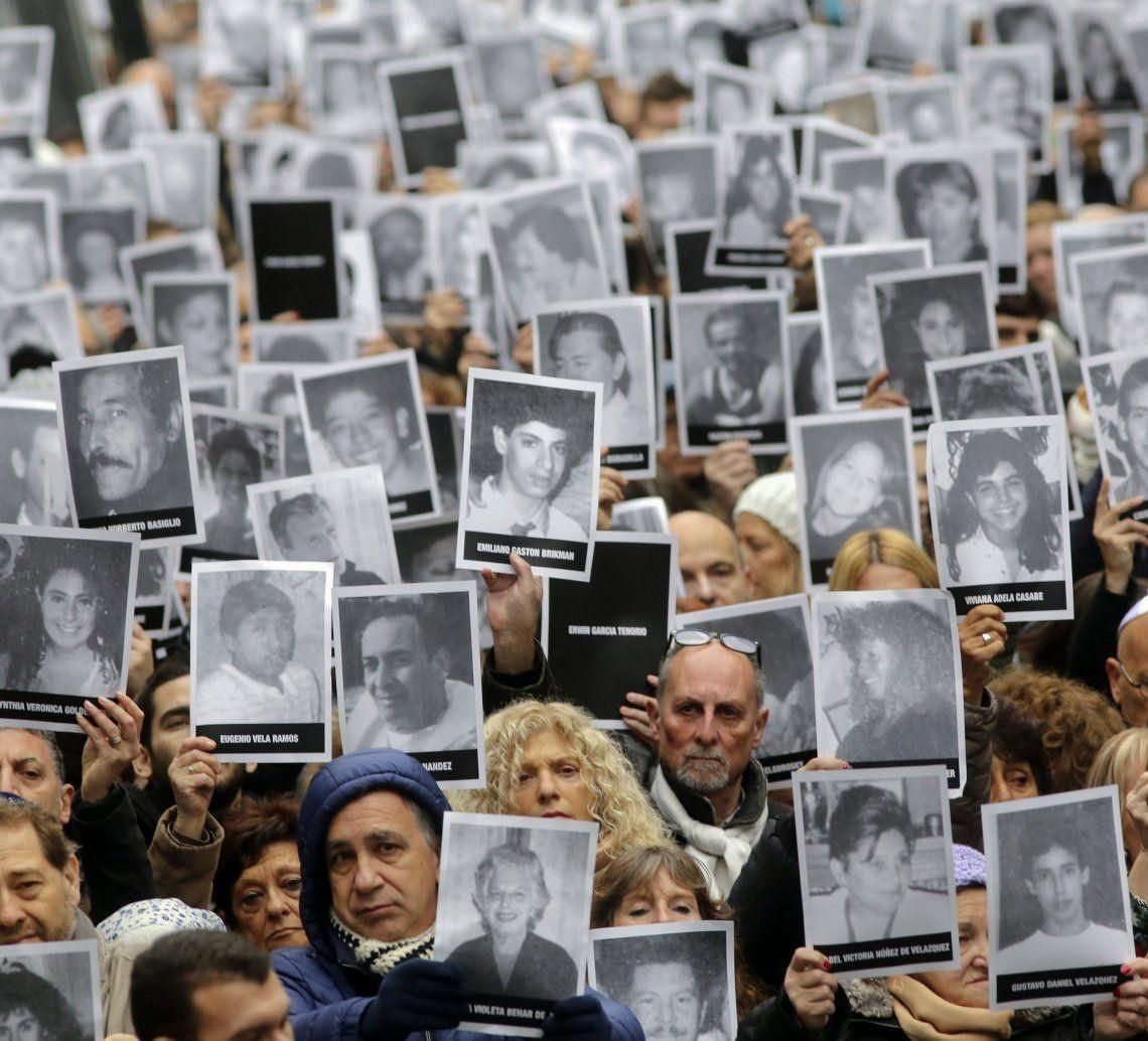Una renovada exigencia de justicia a un cuarto de siglo del atentado.