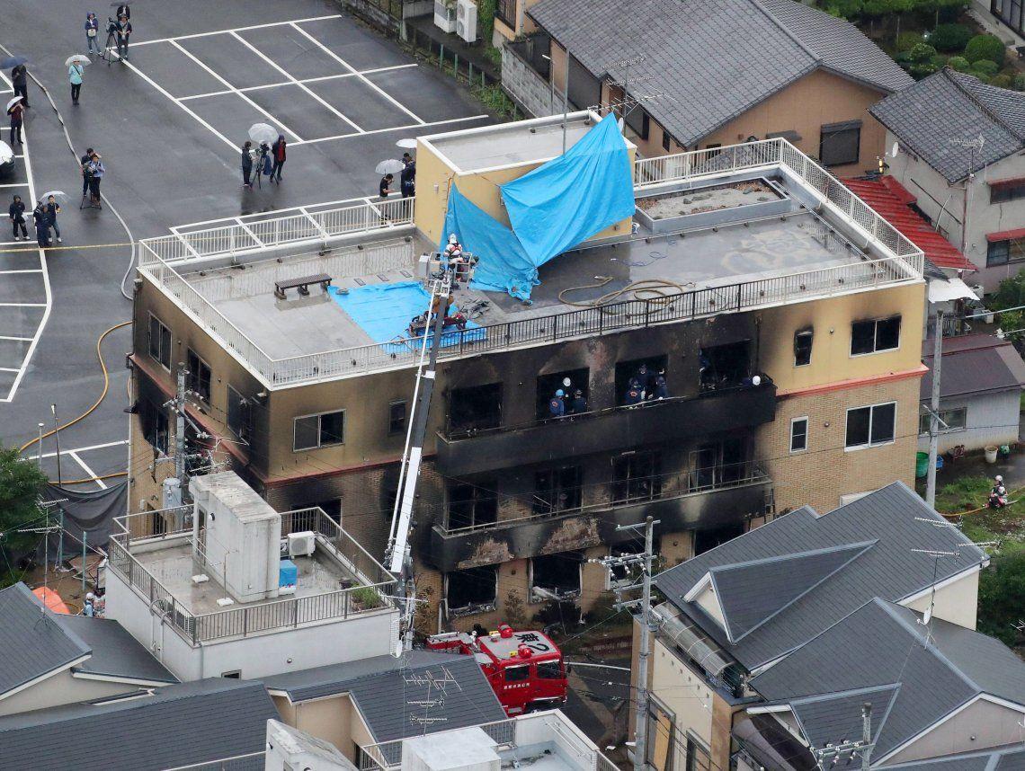 Japón: un hombre incendió un estudio de animación y mató a 33 personas