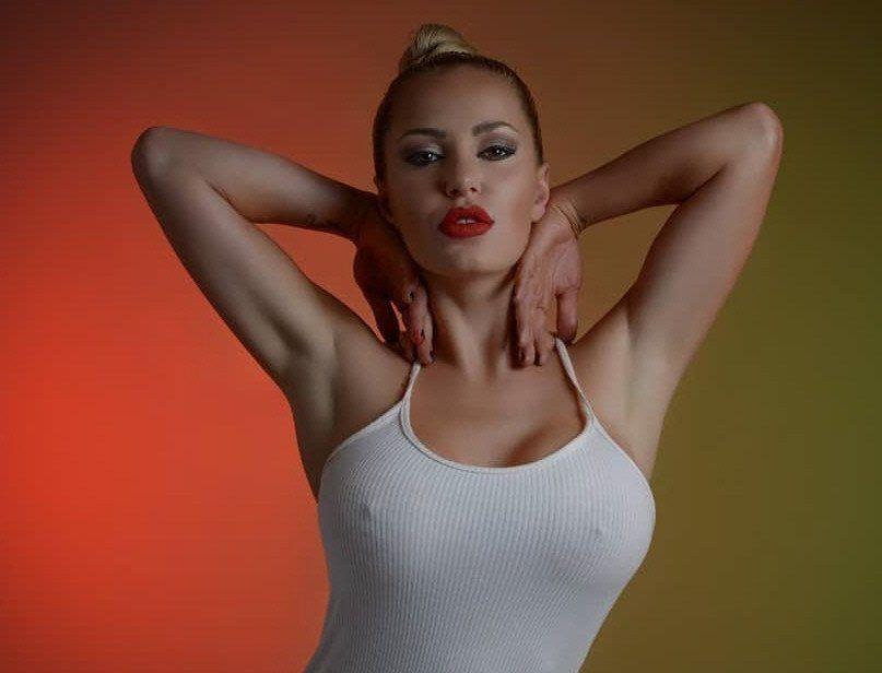 Mariana Diarco va con todo contra Yanina Screpante y Ezequiel Lavezzi.