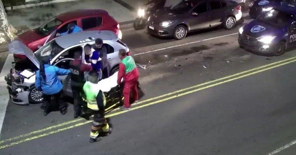 La avenida Beiró fue escenario de dos accidentes protagonizados por el mismo conductor