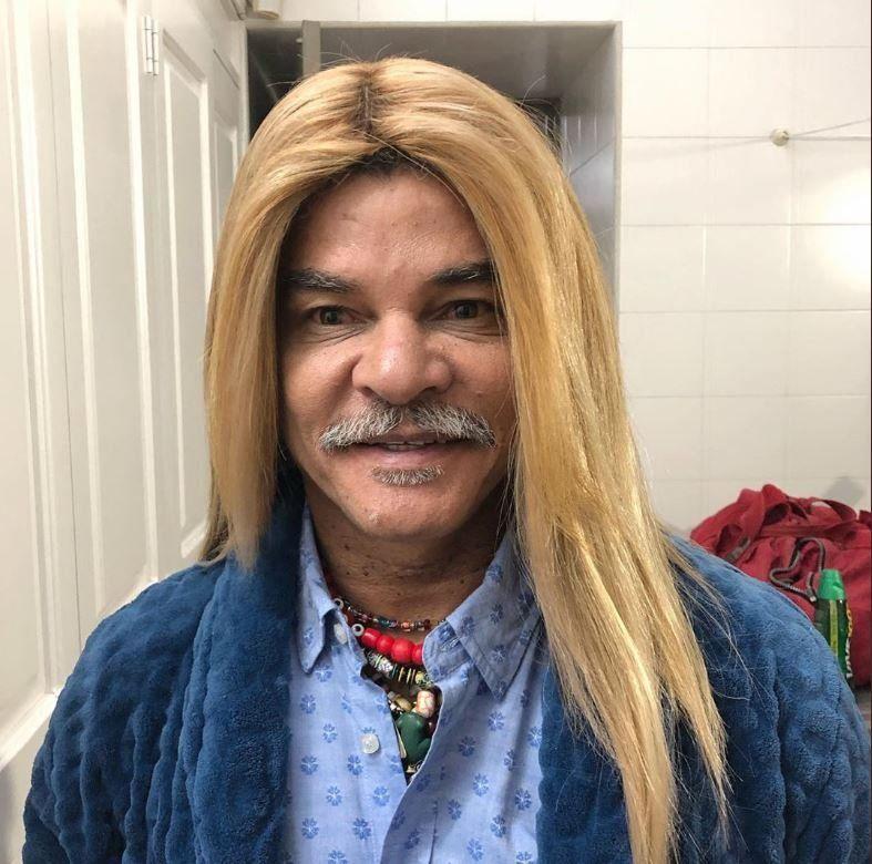Vicente Viloni con bigotes: Valderrama le dijo chau a los rulos y lo mataron en las redes