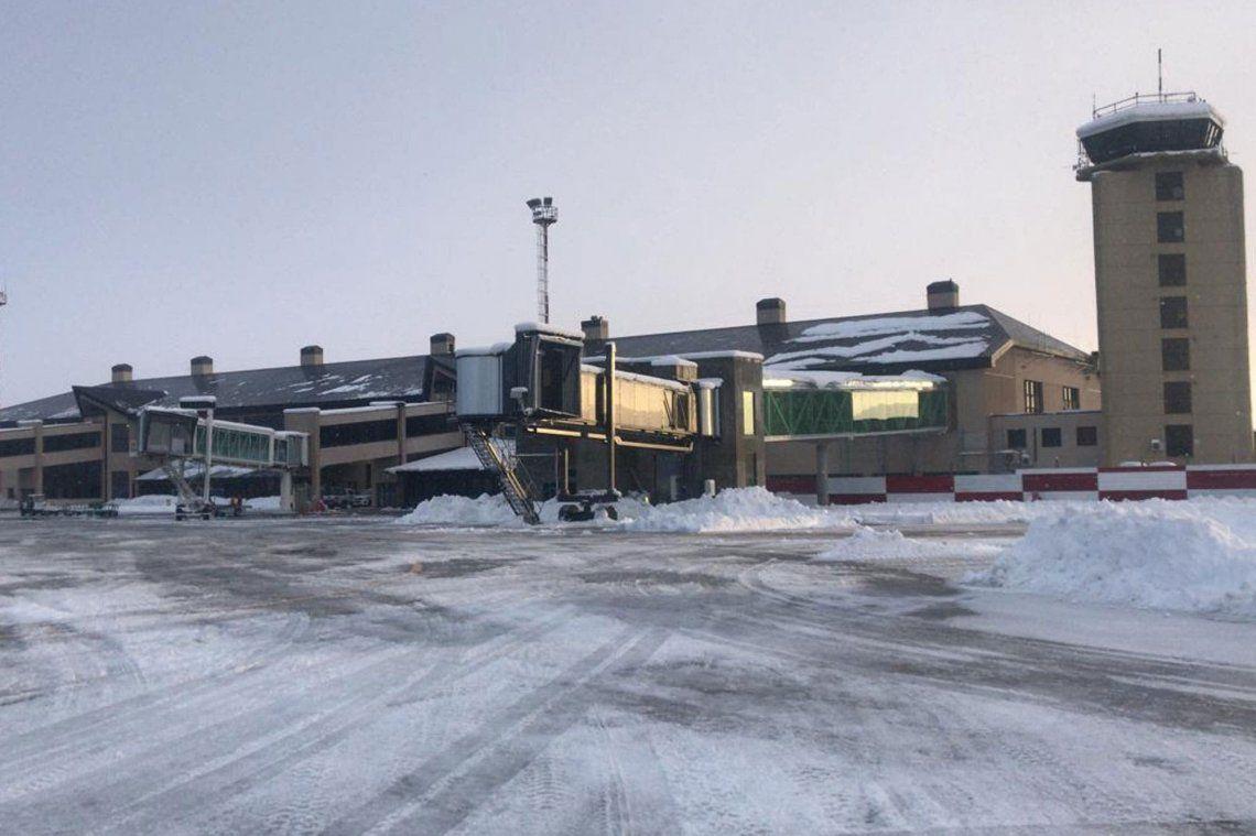 Reabren el aeropuerto de Bariloche tras la tormenta