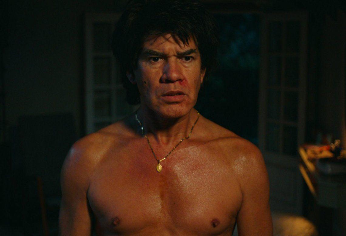 Román encarnando a Monzón en un momento de la miniserie.