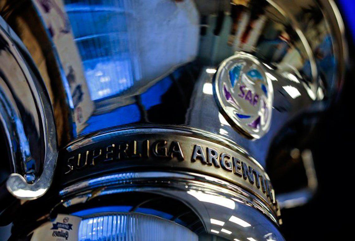 Superliga aprobó el reglamento con tres descensos