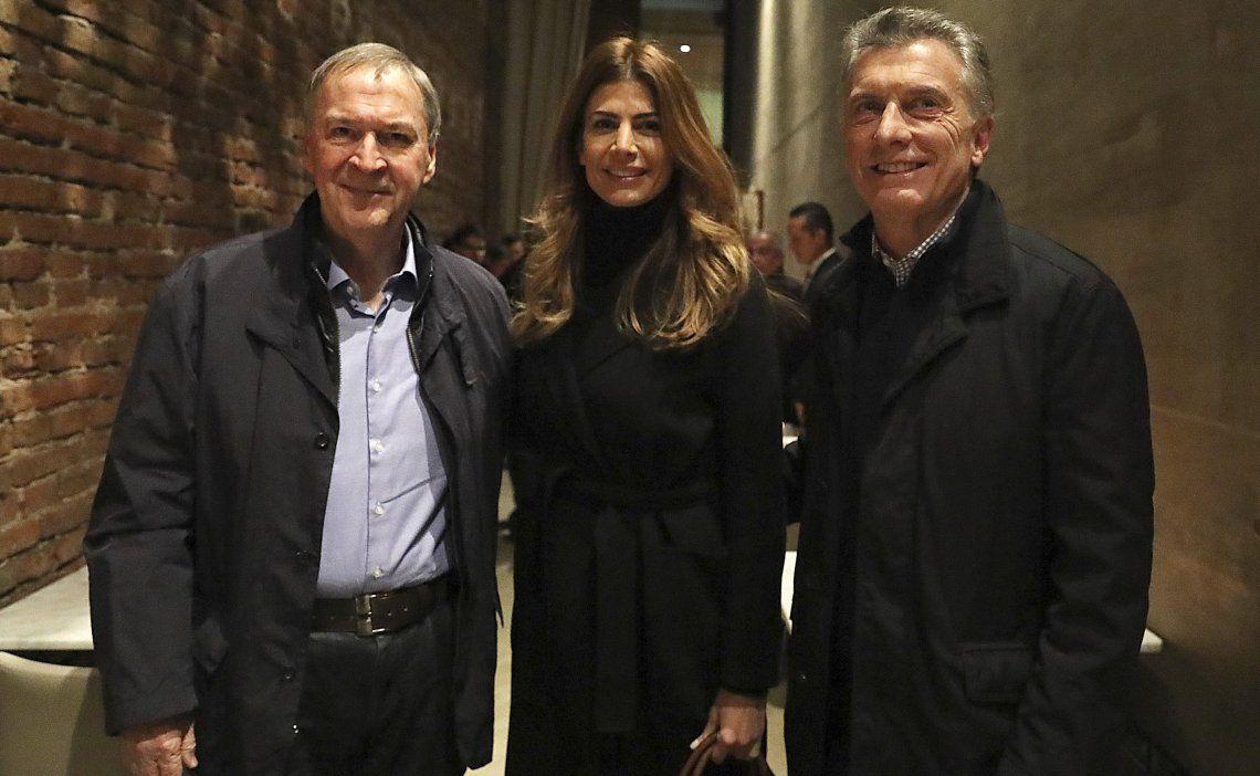 El mandatario nacional y su esposa compartieron una cena con el gobernador Juan Schiaretti.
