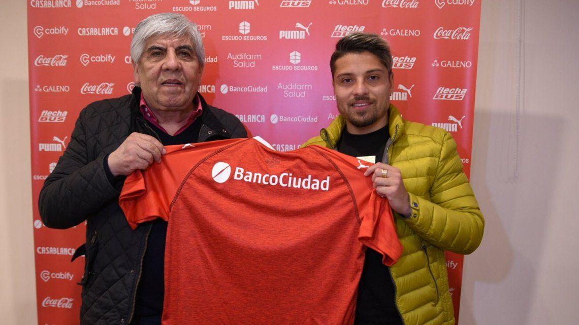 Sebastián Palacios firmó su contrato y es nuevo jugador de Independiente