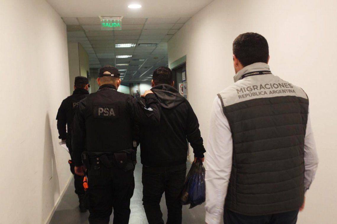 Expulsaron del país a un peruano que reincidió tras salir de la cárcel